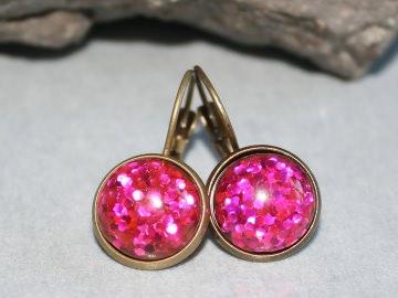 Glitzer Ohrringe mit pinkem,  in Kunstharz eingegossenem Konfetti - Handarbeit kaufen