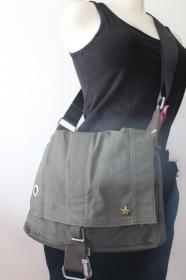 ♀ Seesacktasche Upcycling / Armeetasche / Konzerttasche / Umhängetasche / Schultertasche / Recycling / Handtasche / Unikat ♂