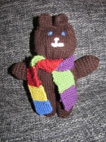 Kuschelteddy / Teddy gestrickt mit Schal