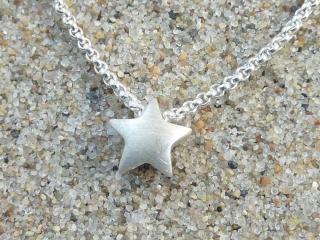 kleiner Stern-Anhänger mit Erbskette, Silber 925