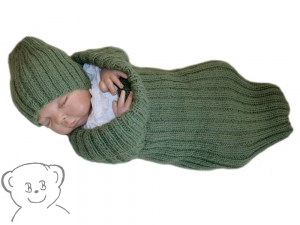 Baby Kuschelsack und Mütze [Farbe TannenGRÜN] gestrickt Alpaka, für Frühchen geeignet