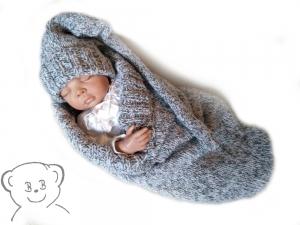 Baby Kuschelsack und Mütze, Design Wichtel [Farbe GRAU-ROSA meliert] gestrickt
