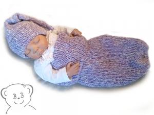 Baby Kuschelsack und Mütze [Farbe FLIEDER-WOLLWEISS] Handarbeit gestrickt - Handarbeit kaufen
