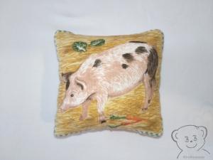Nadelkissen, Tiere auf dem Bauernhof, Motiv Schweinchen - Handarbeit kaufen