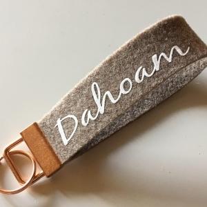 Schlüsselanhänger / Schlüsselband aus Wollfilz mit Aufschrift