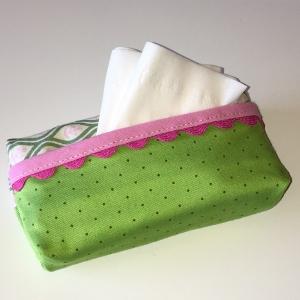 Taschentuchtasche, Taschentuchtascherl, TaTüTa, aus Baumwolle grün/pink, mit Schmuckband für 10 Taschentücher