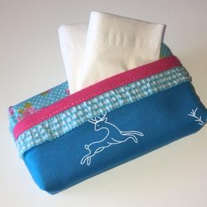 Taschentuchtasche, Taschentuchtascherl, TaTüTa, aus Baumwolle türkis Hirsch/Rosen, mit Schmuckband für 10 Taschentücher - Handarbeit kaufen