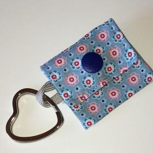 Chiptasche, Chiptäschchen, Tasche für Einkaufswagenchip, Baumwolle Blümchen hellblau, incl. Federring und Einkaufschip - Handarbeit kaufen