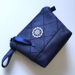 Genähte Kosmetiktasche Schminktasche  Windeltasche mit Kunstleder und Wollstoff Edelweiß blau/silber - Handarbeit kaufen