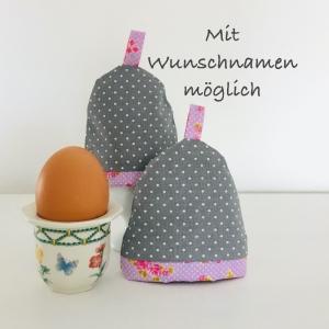 2-er Set Eierwärmer, Eierhütchen, Eiermütze, handgefertigt, personalisierbar, Baumwolle, grau / rosa Rosen - Handarbeit kaufen