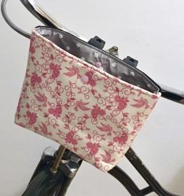 Genähte Lenkertasche mit Wachstuch, mit Klettverschluss, Utensilo, Vögelchen Baumwollstoff / Jeans Wachstuch - Handarbeit kaufen