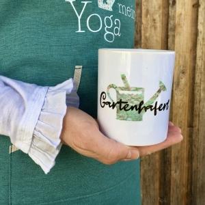 ♥ Gartenhaferl ♥ Kaffeehaferl Haferl Becher Keramikbecher mit Aufschrift Tasse, Gartenhaferl mit Gießkanne - Handarbeit kaufen