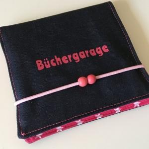 Aufbewahrung für Minibücher, Büchergarage, Minibuchhülle, Buchhülle, Utensilo für Bücher, Taschenutensilo, Jeans/rosa/pink Sterne  - Handarbeit kaufen
