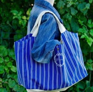 Tasche Shopper mit Kunstleder Beutel mit Aufschrift - Meins - aus robustem Baumwolstoff  blau gestreift  - Handarbeit kaufen