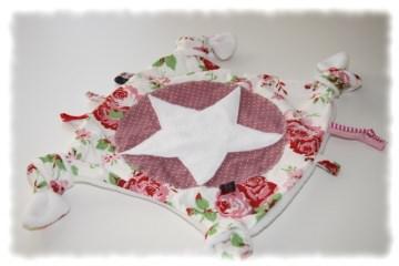 Schmusetuch Schnuffeltuch in Handarbeit einzeln angefertigt mit Rosenmuster
