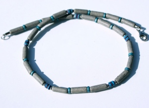 Halskette für Männer GRAU schmal Keramik Leder ethno Peru Edelstahl