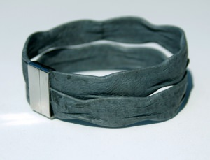 Männer-Armband grau, Nappa-Leder, Edelstahl Wellenstruktur