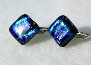 Clips QUADRAT SASKIA dichroitisches Glas blau violett Ohrclips