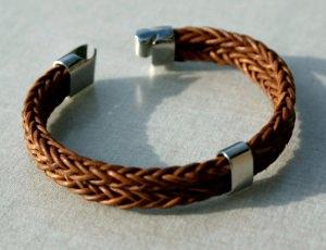 Männer-Armband doppelt Leder geflochten Edelstahl natur braun schlicht lässig   - Handarbeit kaufen
