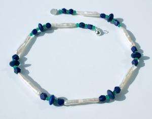 zauberhafte Halskette mit ZUCHTPERLEN und LAPIS - Handarbeit kaufen