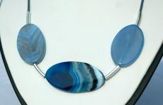 ACHAT-TRAUM in Blau Kette mit Lederband Unikat Steinschmuck Oval