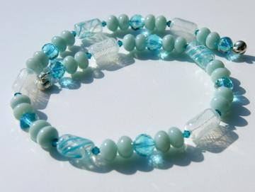 Kette EISFARBEN Amazonit mundgeblasenes Glas Kristall aqua weiß Hohlglas Steinschmuck Design kühl