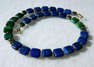 Halskette LAPISLAZULI  Pyrit Chrysokoll Quadrate blau dunkelgrün gold Katzengold Unikat edel elegant schlicht dezent  - Handarbeit kaufen