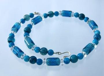 Halskette KORFU Achat Bergkristall mundgeblasenes Glas blau blaugrün Edelsteinschmuck verspielt elegant   - Handarbeit kaufen