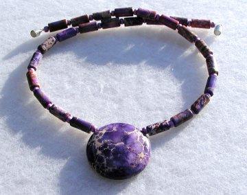 Halskette LILA KREIS Sediment-Jaspis Anhänger violett Steinschmuck Unikat Design extravagant verspielt apart besonders