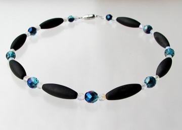 Halskette NORDLICHT Onyx matt Oliven facettierte Glasperlen schwarz klar blaugrün elegant ausgefallen