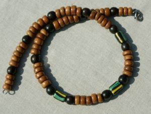 Halskette Männer BAYONG-HOLZ mit EBENHOLZ und afrikanischen CHEVRON-Perlen Edelstahl Leder edel Unikat
