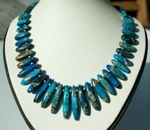 Collier SEEIGEL Sediment-Jaspis blau Stäbchen Edelstahl elegant