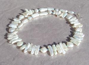 Collier TRAUM in Weiß  Biwa- Perlen 925er Silber elegant festlich edel  - Handarbeit kaufen