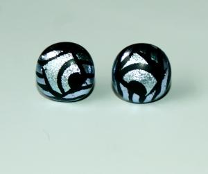 Ohrstecker ORNAMENT schwarz silber dichroitisches Glas Edelstahl Unikat - Handarbeit kaufen