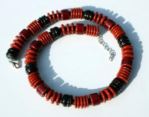 Collier ROTE RONDELLE Halskette Keramik  ausgefallen opulent leicht  - Handarbeit kaufen