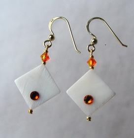 Ohrhänger WHITE FIRE Perlmutt weiß Swarovski-Steine fire opal   - Handarbeit kaufen