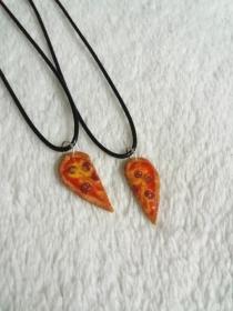 2 (Freundschafts-)Ketten mit Pizza Kettenanhängern