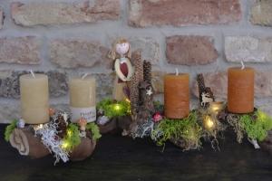 Moneria-Adventskranz-Adventsgesteck-Rebholz-Wurzelgesteck-leuchtet auch ohne angezündete Kerze-Jägergrün