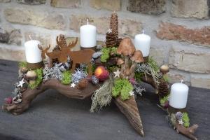 Adventskranz-Adventsgesteck-natürlich-Holz-Wurzel-Rebwurzel-Wurzelgesteck...schwedischer Wald-