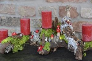 Adventskranz-Wurzelgesteck-leuchtet auch ohne angezündete Kerze-Weihnachtsstern-