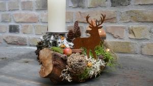 Moneria-Adventsgesteck-Rebholz-auf Futtersuche-2-