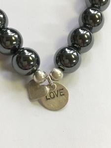 Armband Hämatit mit Silberanhänger Herz Goldschmiedearbeit