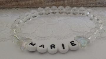 Namensarmband handgefertigt mit Wunschnamen, geschliffenen Glasperlen und Schmetterlingsperlen Geschenk