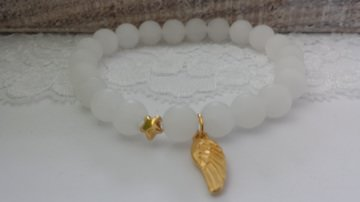 Flügel Stern Armband Jade weiß handgefertigt Geschenk Frauen zur Erinnerung Sternenkind Trostspender Trauer - Handarbeit kaufen