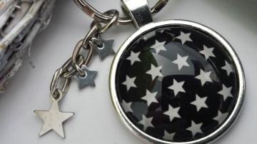 Sterne Schlüsselanhänger Sternenhimmel handgefertigt mit Sterne Anhängern Geschenk Frauen Freundin als Erinnerung Trostspenden - Handarbeit kaufen