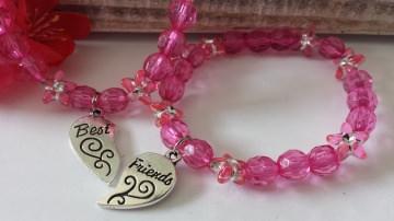 Freundinnen Armbänder Best Friends 2er-Set elastischen Perlenarmbändern mit tollen Anhängern als Zeichen der Zusammengehörigkeit