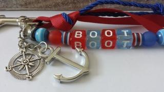 Boot Anker einzigartiger Schlüsselanhänger handgefertigt zur Bootstaufe oder für den Kapitän mit tollen Buchstabenperlen und tollen Anhängern als schönes Geschenk