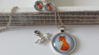 Schmuckset Kleiner Fuchs wunderschöner handgefertigter Glascabochonschmuck Kette mit Ohrsteckern und Charm als Trachtenschmuck