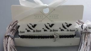 Be brave - Sei mutig Armband Set 2-teilig Hair Ties handgefertigt mit einem Vogel schönes Geschenk mit Kärtchen