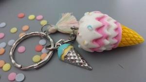 Eis Eistüte Schlüsselanhänger tolles Accessoire für die heiße Sommerzeit als Geschenk  Schulanfang oder Gutschein zum Eisessen